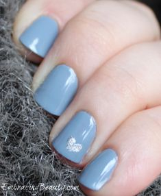 Blue Heart Nail Art – For Valentine's Day!