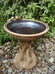 Roll slab onto burlap for base! Ceramic Bird Bath, Concrete Bird Bath, Concrete Crafts, Cement Art, Concrete Art, Garden Yard Ideas, Diy Garden Decor, Garden Fountains, Garden Statues