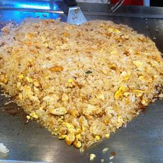 Benihana's Chicken Fried Rice With Sunflower Oil, Boneless Skinless Chicken B. Hibachi Recipes, Grilling Recipes, Cooking Recipes, Benihana Fried Rice, Benihana Rice Recipe, Garlic Fried Rice, Fried Rice With Egg, Bon Appetit, Kitchens