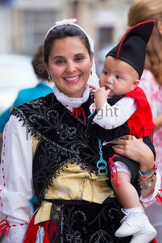 Traditional fiesta at Villaviciosa in Asturias, Northern Spain - Photo by Tim Graham  (Traje tipico de mi tierra Asturias   Olga diezt )