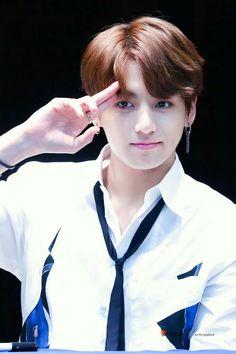 this boy is killing me Jungkook BTS OMG.this boy is killing me Jungkook BTS Foto Jungkook, Foto Bts, Jungkook Jeon, Kookie Bts, Jungkook Oppa, V Taehyung, Bts Bangtan Boy, Jung Kook, Namjoon