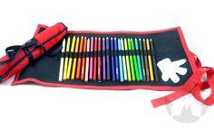 Porta Lápis em feltro com 24 cores, laço de fita e tag.