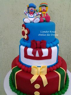 Decoração de festa infantil com Patati e Patata Bolo Frozen, Circus Cakes, Pastry Design, Fake Cake, Biscuit Cake, Circus Party, Celebration Cakes, Beautiful Cakes, Cake Designs