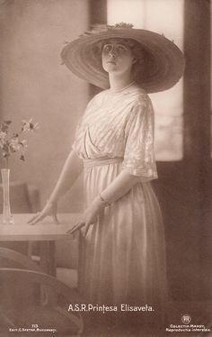 Prinzessin Elisabeth von Rumänien, future Queen of Greece 1894 – 1956 Royal King, Royal Queen, King Queen, Princess Elizabeth, Princess Victoria, Old Photos, Vintage Photos, Greek Royalty, Greek Royal Family