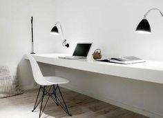 Zwevend wit bureau werkblad