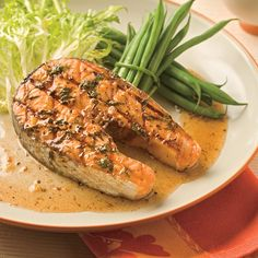 Darnes de saumon grillées - 5 ingredients 15 minutes Delicious Recipes, Yummy Food, Hummus, Discovery, Fish, Ethnic Recipes, Grilled Salmon, Seafood