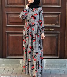 Hijab Style Dress, Casual Hijab Outfit, Islamic Fashion, Muslim Fashion, Abaya Fashion, Fashion Outfits, Muslim Long Dress, Modele Hijab, Stylish Dresses For Girls
