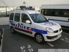 Renault Kangoo police nationale. ════════════════════════════ http://www.alittlemarket.com/boutique/gaby_feerie-132444.html ☞ Gαвy-Féerιe ѕυr ALιттleMαrĸeт   https://www.etsy.com/shop/frenchjewelryvintage?ref=l2-shopheader-name ☞ FrenchJewelryVintage on Etsy http://gabyfeeriefr.tumblr.com/archive ☞ Bijoux / Jewelry sur Tumblr