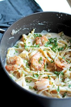 White wine shrimp alfredo this easy pasta recipe is perfect for busy weekni Easy Pasta Recipes, Seafood Recipes, Wine Recipes, Cooking Recipes, Healthy Recipes, Healthy Dishes, Healthy Meals, Creamy Shrimp Pasta, Seafood Pasta