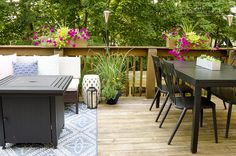 Great ideas and inspiration for decorating and maximizing space on a small deck deck tour small deck decorating summer deck decor Outdoor Deck Decorating, Patio Decorating Ideas On A Budget, Porch Decorating, Outdoor Decor, Patio Ideas, Outdoor Life, Decor Ideas, Backyard Ideas, Outdoor Living