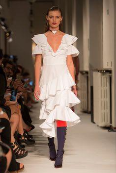 Sfilata Daizy Shely Milano - Collezioni Primavera Estate 2017 - Vogue