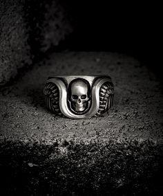 Skulls rings