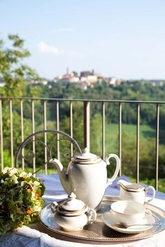 Colazione con vista Sugar Bowl, Bowl Set, Tea Pots, Tableware, Dinnerware, Dishes, Tea Pot, Tea Kettles