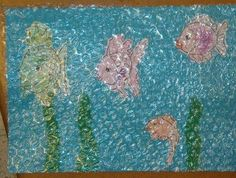 Ocean craft with bubble wrap. Could do a submarine, starfish, seaweed, and just a silhouette of fish Ocean Crafts, Fish Crafts, Kids Art Class, Art For Kids, Under The Sea Crafts, Zoo Activities, Summer Crafts For Kids, Ocean Themes, Am Meer