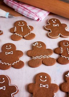 Dairy and egg free gingerbread men recipe, vegan too. Dough mixes up in a snap in the food processor! Vegan Christmas, Christmas Baking, Christmas Treats, Christmas Cookies, Christmas Desserts, Christmas 2015, Xmas, Egg Free Recipes, Allergy Free Recipes