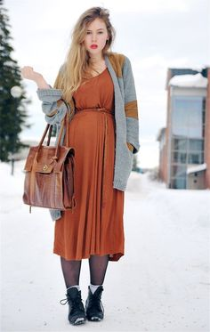 Perfect bag. (And a nice use of orange.) (Via Amanda Brohman)