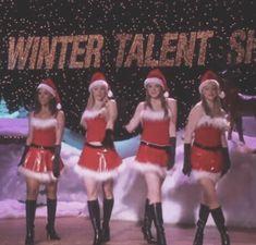 Christmas Collage, Cosy Christmas, Christmas Feeling, Christmas Icons, Merry Little Christmas, Christmas Movies, Christmas Themes, Mean Girls Christmas, Christmas Crafts