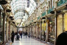 Arcade in Leeds Victoria Quarter, city of Le Tour de France Grand Depart 2014 Leeds England, England And Scotland, Places To See, Places Ive Been, Leeds City, Leeds United, British Isles, Amazing Architecture, Arcade