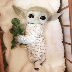 Yoda Meme, Yoda Funny, Cute Disney Wallpaper, Cute Cartoon Wallpapers, Baby Animals Pictures, Cute Animals, Yoda Drawing, Yoda Images, Cute Drawlings