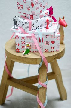 Bloesem Kids | Free Christmas Wrapping paper by Jessica Nielsen | Styling and Photography by @Zara Lamey