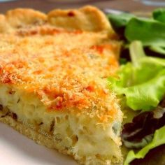 tarte morue antillaise See Pages for Translation Quiches, Cod Dishes, Haitian Food Recipes, Vegan Recipes, Cooking Recipes, Fish Recipes, Creole Recipes, Caribbean Recipes, Caribbean Food