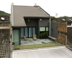 Image 12 of 20 from gallery of 23 Terrace / DRTAN LM Architect. Terrace Design, Facade Design, Exterior Design, Architecture Design, Gate House, House Entrance, Facade House, Terraced House, Home Room Design