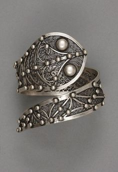 Ring. Silver.