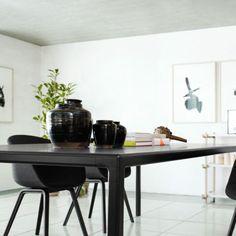 Hay T12 - sort spisebord str 160cm Hay Chair, Lounge Chair, Interiores Design, Office Desk, Dining, Furniture, Home Decor, Swivel Chair, Oak Tree