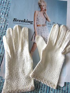 #Beautifully beaded vintage gloves  Gloves #gloves #fashion #nice  www.2dayslook.com