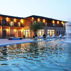 Hotel Termálkristály Aqualand Ráckeve -45% kupon - SzallasGuru.hu Mansions, House Styles, Nap, Travel, Home Decor, Viajes, Decoration Home, Manor Houses, Room Decor