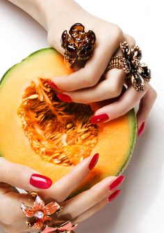 Model. Constanze Nails: Karina Asmus Styling: Louisa Sophia Witt http://www.viktoriastutz.com/blog/