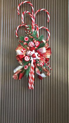Fabulous Christmas Decor Ideas to Perfect Your Home – Page 150 of 150 – CoCohots – Unique Christmas Decorations DIY Christmas Door Decorations, Christmas Candy, Homemade Christmas, Holiday Wreaths, Simple Christmas, Minimalist Christmas, Crochet Christmas, Christmas Door Wreaths, Christmas Swags