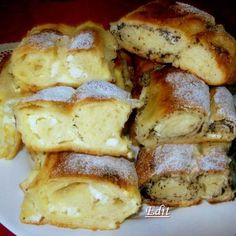 Érdekel a receptje? Hungarian Desserts, Hungarian Recipes, Ring Cake, Czech Recipes, Light Desserts, Waffle Iron, Strudel, Ciabatta, Sweet And Salty
