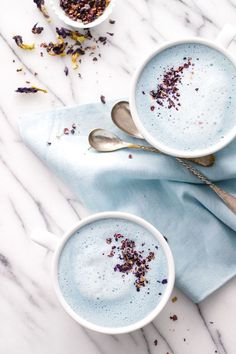 Blue Moon Milk Blue Moon Milk calming lavender latte the perfect hot beverage before going to bed Source by SkinRenewalSA Fajita Bowl Recipe, Chicken Fajita Bowl, Fajita Bowls, Chicken And Waffle Casserole Recipe, Chicken And Waffles, Yummy Drinks, Healthy Drinks, Yummy Food, Healthy Recipes