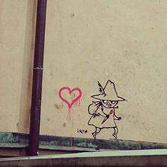 Snufkin by Iron. Old Town, Stockholm - street art Moomin Tattoo, Tove Jansson, Moomin Valley, Troll Party, Little My, Urban Art, Cute Art, Comic, Graffiti