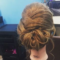 Top 100 easy updos for long hair photos ❤️ Updos ❤️ #messyhair #halfuphalfdownhair #longhair #crazyhair #kidshair #updos #wedding #weddinghair #weddingupdo #hair #bun #curls #coloredhair #haircolor See more http://wumann.com/top-100-easy-updos-for-long-hair-photos/
