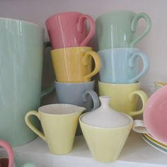 Finding another peace of my favorite China at a flea market Vintage Dishes, Vintage China, Vintage Kitchen, Retro Vintage, Pastel Shades, Pastel Colors, Colours, Pastel House, Pretty Pastel