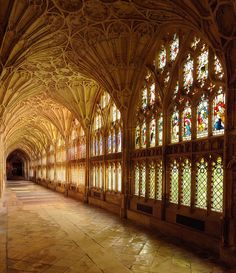 Emmy DE * The cloisters at Gloucester Cathedral on a sunny day, England