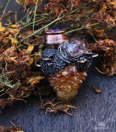 Cauldron necklace with sunshine spirit quartz and brandberg amethyst. Jewelry Shop, Handmade Jewelry, Jewelry Making, Spirit Quartz, Cauldron, Polymer Clay Art, The Conjuring, Crystal Jewelry, Amethyst