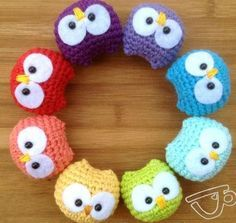 These 92 free Crochet Owl Patterns that are just brilliantly smart, amazingly budget-friendly and insanely cute! Crochet owls will just be Crochet Diy, Crochet Owls, Crochet Amigurumi, Crochet Animals, Crochet Crafts, Yarn Crafts, Crochet Projects, Ravelry Crochet, Diy Crafts