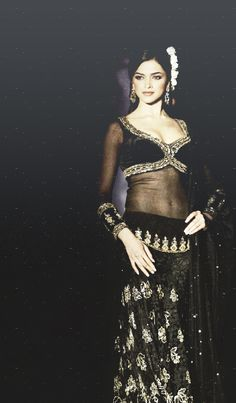#Bollywood #Actress Deepika Stunning in Black