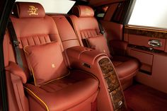 Photographs of the 2012 Rolls-Royce Phantom Dragon Collection. An image gallery of the 2012 Rolls-Royce Phantom Dragon Collection. Rolls Royce Phantom Interior, Rolls Royce Interior, Jaguar, Bristol, Chevy, Classy Cars, Hot Rides, New And Used Cars, Rear Seat