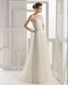aire-barcelona-2014-obadia-strapless-gown
