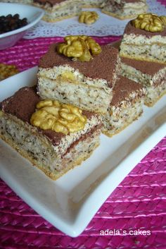 Adela Zilahi: Prajitura cu nuca si cafea Krispie Treats, Rice Krispies, Red Velvet, Ice Cream, Sweets, Cookies, Ethnic Recipes, Desserts, Food