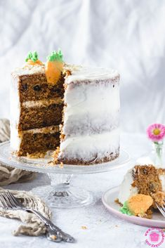 Carrot cake with cream cheese frosting Light Cream, Cream Cream, Cake With Cream Cheese, Cream Cheese Frosting, Cheese Recipes, Cooking Recipes, Easter Lunch, Carrot Cake