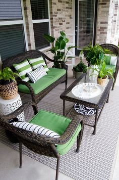 Patio Inspiration with Lowes. You can make your house far more specific with backyard patio designs. You can change your backyard right into a state like your dreams. You won't have any difficulty at this point with backyard patio ideas. Cute Home Decor, Unique Home Decor, Design Jardin, Backyard Patio Designs, Backyard Ideas, Small Patio Ideas On A Budget, Sloped Backyard, Garden Ideas, Balcony Design