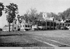 Rip Van Winkle home at Jefferson Island Louisiana :: State Library of Louisiana Historic Photograph Collection Abandoned Plantations, Louisiana Plantations, Plantation Style Homes, Plantation Houses, Louisiana Creole, Louisiana Homes, Old Southern Homes, Southern Charm, Antebellum Homes