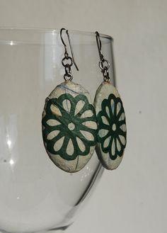Green Paper Earrings Dangle Oval Mint Earrings Flower door HanjiNaty