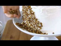 How to Decorate a Cake With Chopped Nuts