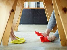 O 'fondue slipper' nada mais é que um par de sapatos que se encaixa perfeitamente em qualquer tamanho de pé. 4ED. inspira. revista.